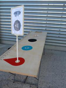 Point de rencontre, acte 1: bureau mobile du point de rencontre, fabrique des pièces manquantes